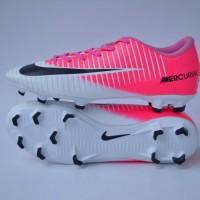 sepatu sepak bola pria nike mercurial putih pink