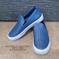 Modello Sepatu Sintetis