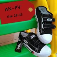 Sepatu Anak Sekolah TK SD SMP NB Warna Hitam Velcro Mur Berkualitas