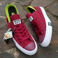 promo Sepatu converse All Star CT2 x Undefeated red maroon