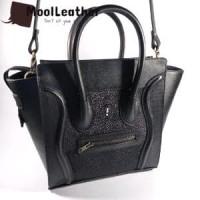 Tas selempang wanita asli kulit ikan pari model celine warna hitam