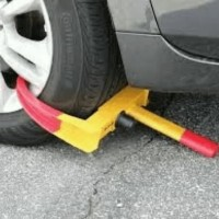 Kunci gembok pengaman RODA BAN MOBIL saat parkir anti derek wheel lock