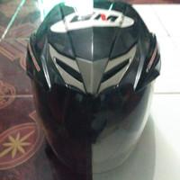 Helm GM bekas