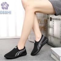 Sepatu Wanita Slip On Alvin Tri Line - 088