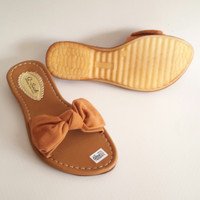 CLEARANCE SALE Sandal Sendal Wanita Pita Bludru Tan Q-Sock