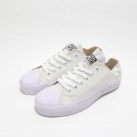 KUALITAS TERBAIK Sepatu Converse Chuck Taylor II White/Putih Grade Ori