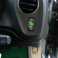 Car Charger 12V dan 24V 2USB + Voltmeter USB 3.1A Socket HONDA BRIO