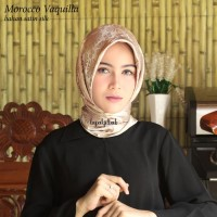 Hijab Segi Empat Scarf Jilbab Segiempat Satin Morocco Motif Bunga Vaqu