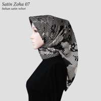 Jilbab Segiempat Satin Velvet Motif Bunga Zoha 07