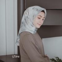 Jilbab Maxmara Hijab Segitiga Instan Satin Duca Italiano silk murah