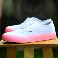 d2bd476fcf8 SEPATU CASUAL VANS AUTHENTIC WOMAN WHITE SOL PINK