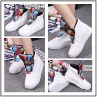 Sepatu Kets Wanita 70332 Warna Putih