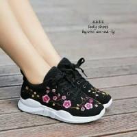 Sepatu Wanita Kets Motif Bunga Hitam Polos Bunga Sneaker Sport Diskon