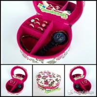 terbaru Tempat Perhiasan dan Aksesoris Motif BUNGA PUTIH Mini Jewelry 89a01b25a4