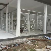 Sekat Kantor & Instansi Aluminium Kaca, Etalase, Kanopy, Partisi Kusen