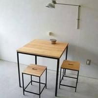 Meja Cafe set dengan kursi nya untuk rumah makan dan Coffe Shop