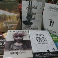 Novel Karya Boy Candra. 5 Buku Rp. 110.000
