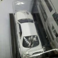 Greenlight Diecast Tarmac Works Nissan Skyline GTR R34 Berkualitas