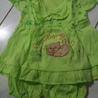 Pakaian bayi umur 0-3 bulan