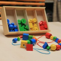 Mainan Anak Kayu Edukasi / Edukatif -  Ronche Warna 64 psg
