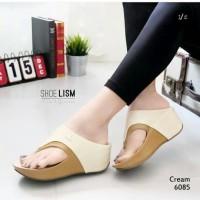 Sandal Sepatu Wanita Wedges Crocodile Krem
