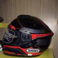 Helm shoei GT