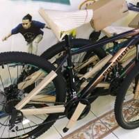 sepeda gunung polygon premier 4 Limited