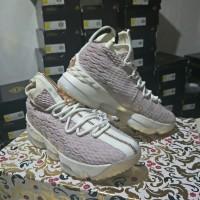 8c16fe4b374 Sepatu Basket Kith X Nike LeBron 15 Rose Gold Lebron 15 kith zip rose