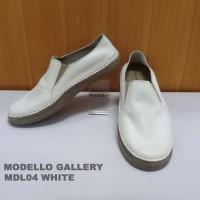 Peaberry/Modello Sepatu Croc Kulit