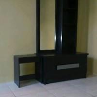 Lemari pakaian 3 pintu Meja rias dan Meja Tv Harga Paket