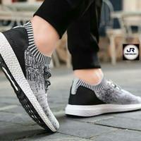Harga Sepatu Adidas Ultra Boost Original DaftarHarga.Pw