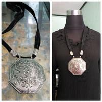 Harga kalung etnik dengan liontin etnik ukir segi lapan perak | Pembandingharga.com