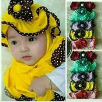 Jilbab bayi topi bunga polka