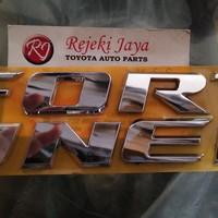 Emblem Logo Tulisan Kap Mesin Fortuner Original