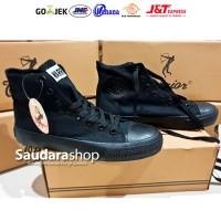 Sepatu Warrior All Black HC / Sepatu Warior Hitam Tinggi