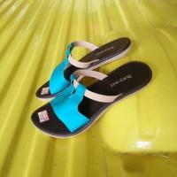 Sandal wanita/terlaris/termurah/hayati flat.