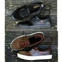 Jual Terfavorite!! sepatu sneakers murah kickers kulit pria vans nike kets Murah