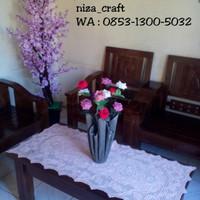 set vas bunga unik dan bunga mawar handmade