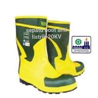 Sepatu boot anti listrik 20 KV
