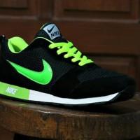 Sepatu Nike Waffle Hitam Ijo Stabilo / Casual / Jogging / Kets Pria