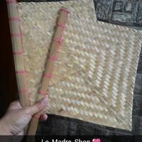 Kipas Sate Anyaman Bambu (24 x 27 cm) Hand Made