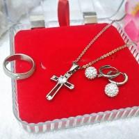 Set Salib Titanium (Anting, Cincin dan Kalung) Anti Kar Diskon