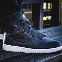 Jual Sneakers Pria Nike Air Jordan 1 Retro Cyber Monday For Man Premium Murah