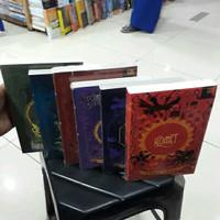 Novel - BULAN - BUMI - BINTANG - MATAHARI - KOMET - CEROS DAN BATOZAR