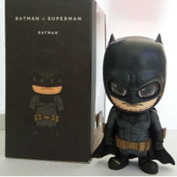 Mainan Figure Batman Cosbaby Hot Toys Batman vs Superman