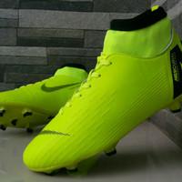 Sepatu Bola Nike Mercurial Flyknit - Hitam, 39