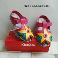 Sepatu untuk anak Kickers