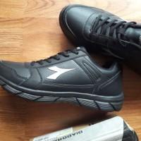 DIADORA Original. DATTO. Sepatu Olahraga AllBlack. Sekolah Keren