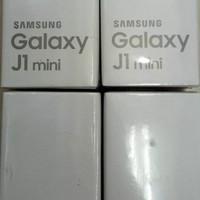 Hp Samsung Galaxy J1 MINI J105 RAM 1GB Internal 8GB Garansi Resmi