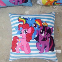 Bantal Kotak Kuda Poni My Little Pony 35 cm